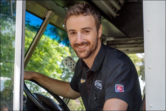 james hinchcliffe revs up for honda indy in toronto
