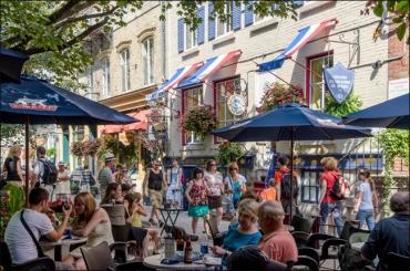 petit-champlain-cafes